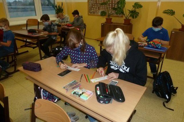 Mezinárodní projekt Záložka do knihy spojuje školy
